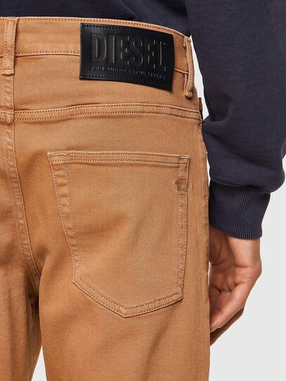 Diesel - D-Fining 09A32, Marron - Jeans - Image 3