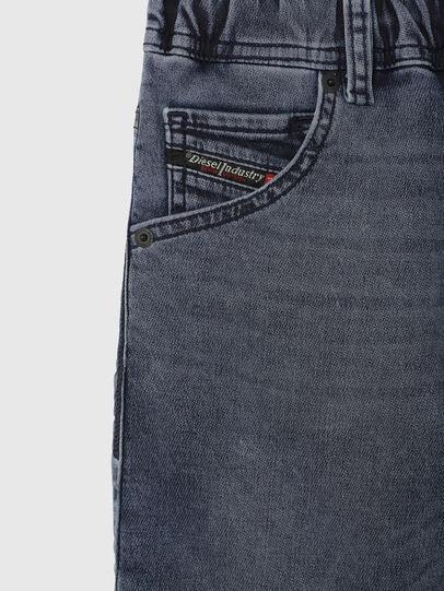 Diesel - KROOLEY-J SH JOGGJEANS, Bleu moyen - Shorts - Image 3