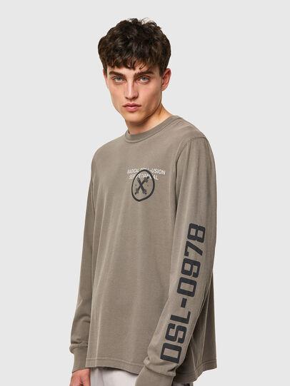 Diesel - T-JUBINDY-LS, Olivgrün - T-Shirts - Image 3
