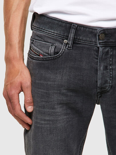Diesel - Sleenker 09A18, Nero/Grigio scuro - Jeans - Image 4