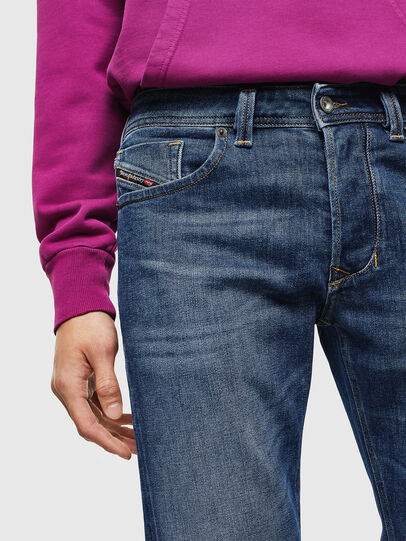 Diesel - Larkee 0096E, Mittelblau - Jeans - Image 3