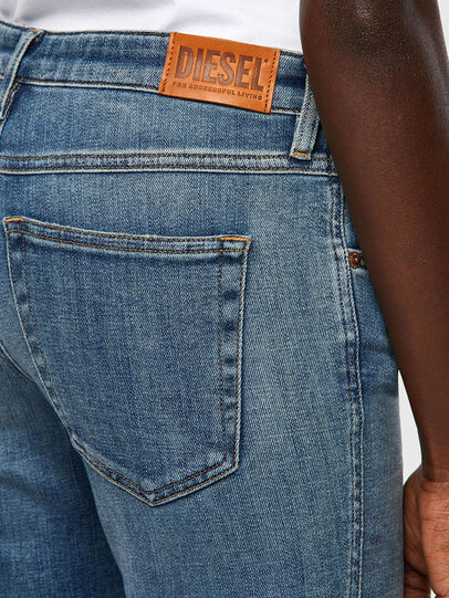 Diesel - Babhila 09A01, Blu medio - Jeans - Image 3