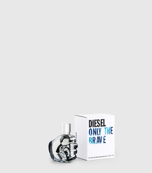 https://ch.diesel.com/dw/image/v2/BBLG_PRD/on/demandware.static/-/Sites-diesel-master-catalog/default/dw2e2f7f23/images/large/PL0123_00PRO_01_O.jpg?sw=594&sh=678