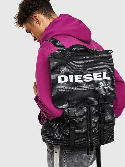 Diesel - VOLPAGO BACK, Schwarz - Rucksäcke - Image 8