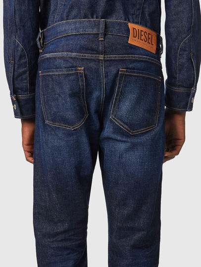 Diesel - D-Viker 09A12, Bleu Foncé - Jeans - Image 4