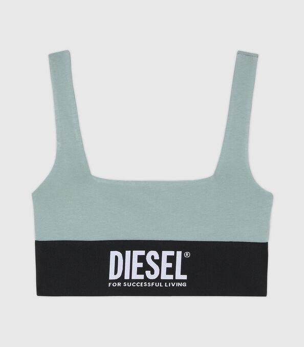 https://ch.diesel.com/dw/image/v2/BBLG_PRD/on/demandware.static/-/Sites-diesel-master-catalog/default/dw43a8fc2c/images/large/A01952_0DCAI_5BQ_O.jpg?sw=594&sh=678