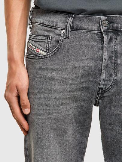 Diesel - D-Yennox 09A10, Gris Clair - Jeans - Image 4