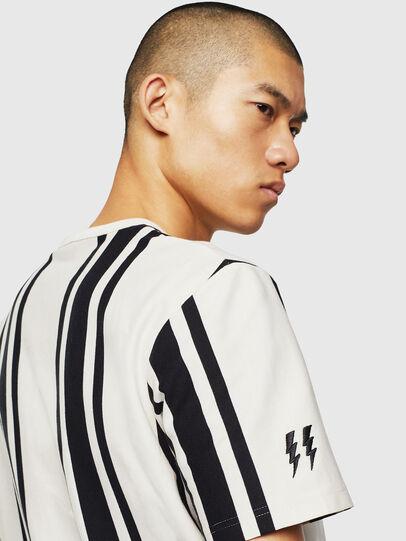 Diesel - T-STRIP-J1, Weiß/Schwarz - T-Shirts - Image 3
