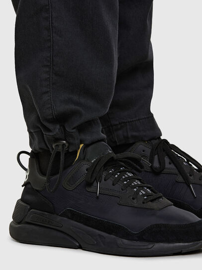 Diesel - D-Skint JoggJeans® 069PC, Schwarz/Dunkelgrau - Jeans - Image 5