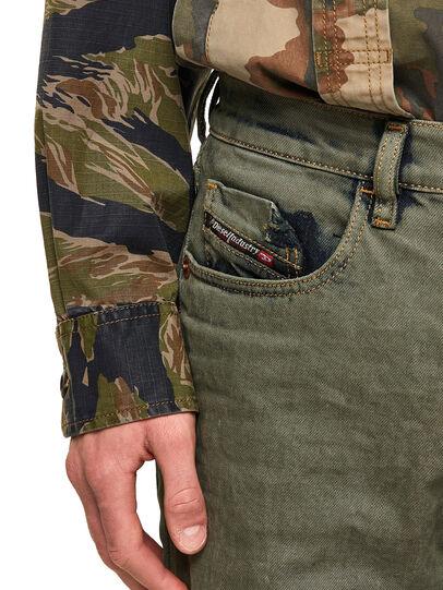Diesel - D-Strukt 09A50, Vert Militaire - Jeans - Image 3