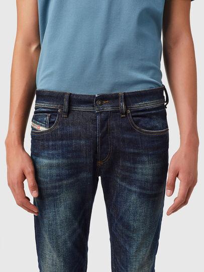 Diesel - Sleenker 09B07, Bleu Foncé - Jeans - Image 3
