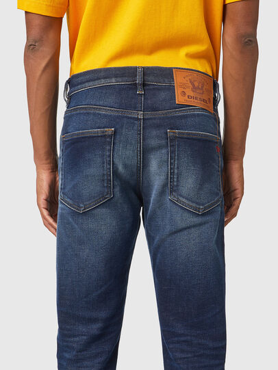 Diesel - D-Strukt JoggJeans® 069XG, Blu Scuro - Jeans - Image 4