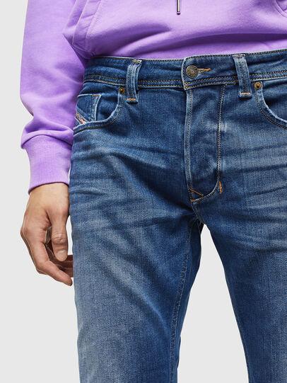 Diesel - Larkee 0097X, Mittelblau - Jeans - Image 3
