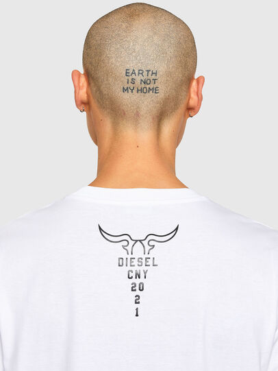 Diesel - CL-T-JUST-O, Bianco - T-Shirts - Image 5