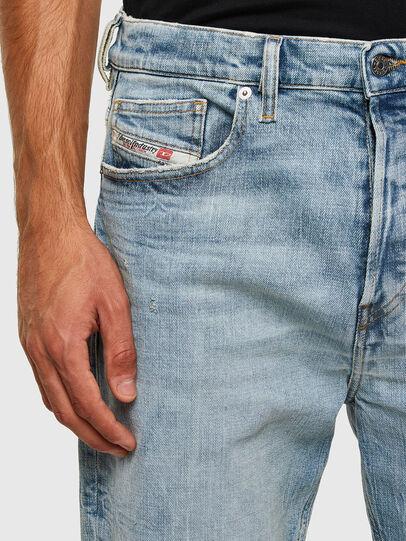 Diesel - D-Vider 009JR, Hellblau - Jeans - Image 4