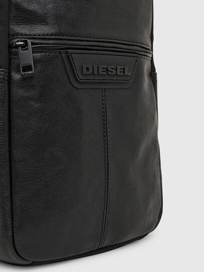 Diesel - F-SUSE MONO MR, Schwarz - Schultertaschen - Image 5