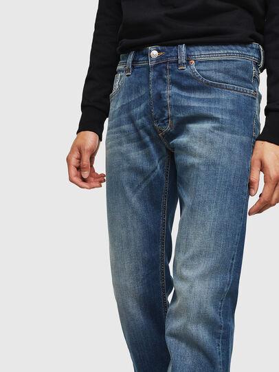 Diesel - Larkee 083AA, Mittelblau - Jeans - Image 3