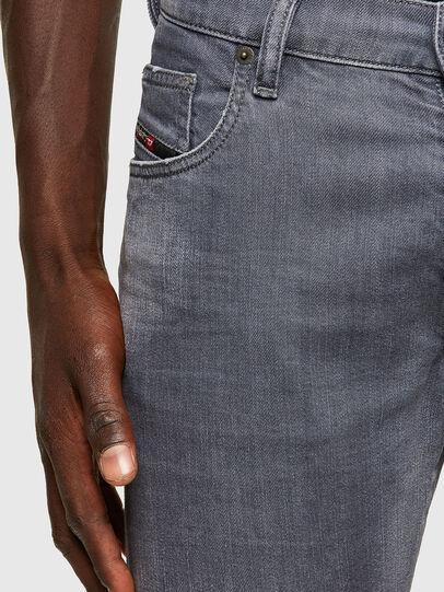 Diesel - D-Yennox 009PB, Gris Clair - Jeans - Image 3