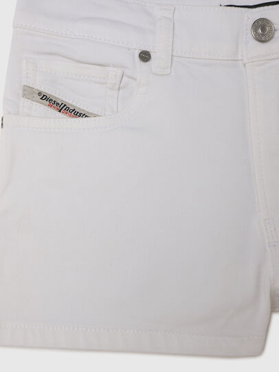 Diesel - PBOYSHORT JOGGJEANS, Blanc - Shorts - Image 3
