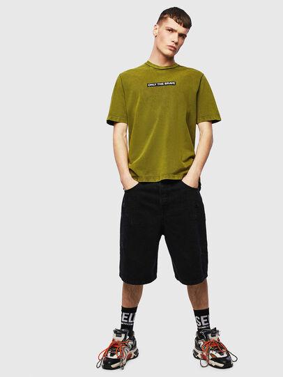 Diesel - T-JUST-SLITS-T15, Gelb - T-Shirts - Image 4