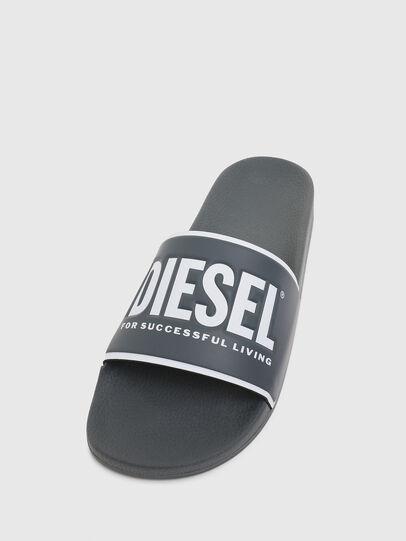 Diesel - SA-VALLA, Grau - Pantoletten - Image 5