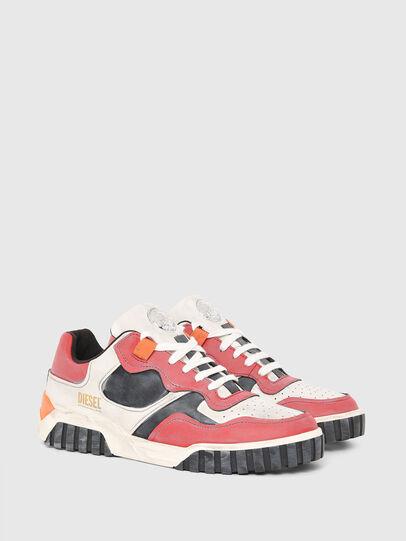 Diesel - S-RUA LOW SK, Bianco/Rosso - Sneakers - Image 2