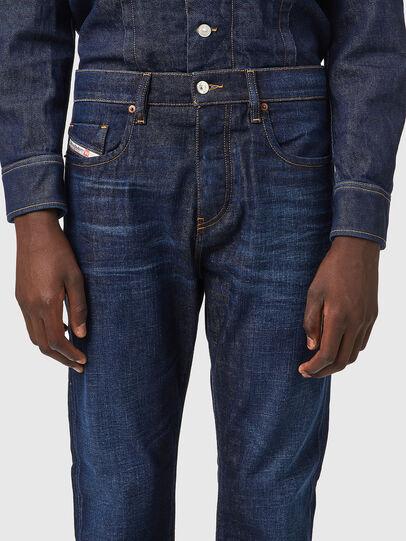 Diesel - D-Viker 09A12, Bleu Foncé - Jeans - Image 3