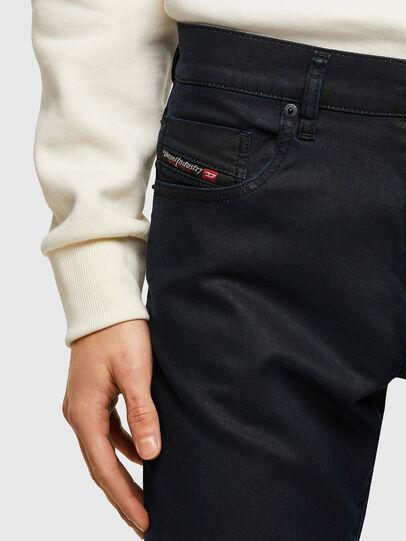 Diesel - D-Strukt JoggJeans® 069VG, Bleu Foncé - Jeans - Image 4