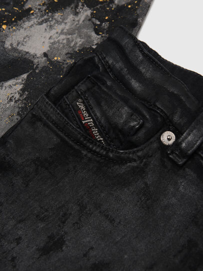Diesel - SKINZEE-LOW-J JOGGJEANS-N, Schwarz/Dunkelgrau - Jeans - Image 3
